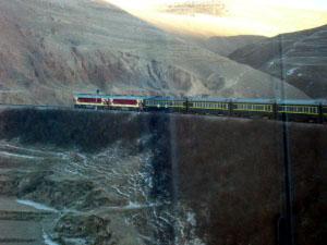 tibet_train.jpg