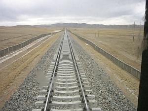 tibet_train_endrail_1.jpg